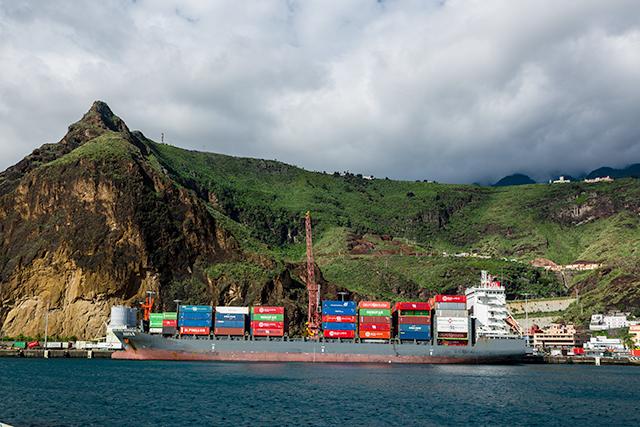 Boluda lines recupera la escala en santa cruz de la palma - Transporte entre islas canarias ...
